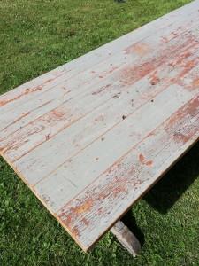 ruokapöytä lattialankuista