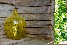 keltainen pullo