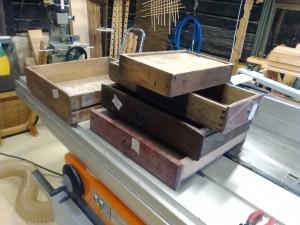 vanhoja laatikoita